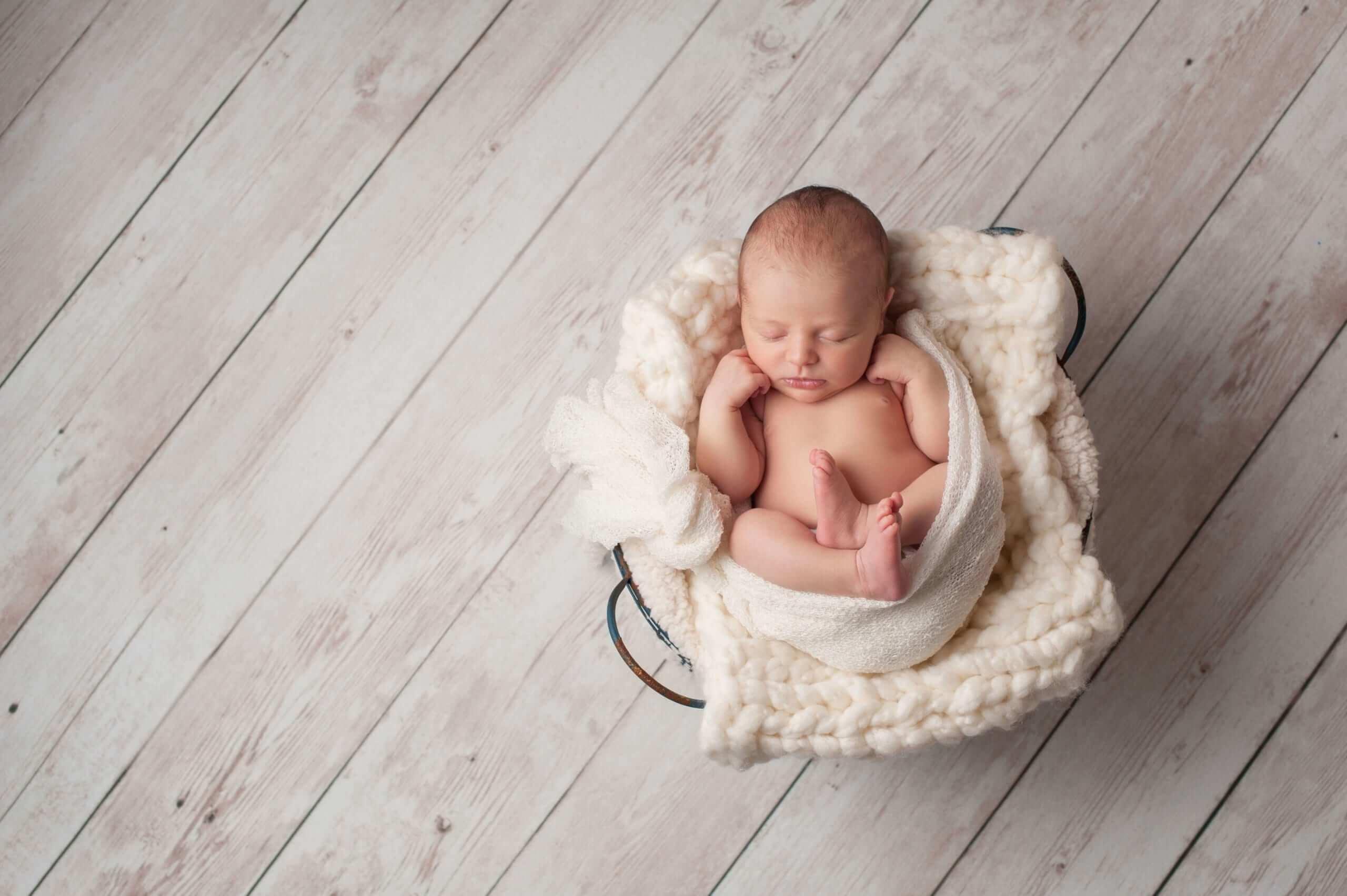 Yenidoğan Bebek Nasıl Yatırılmalı? yenidogan bebek nasil yatirilmali